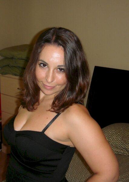 Femme coquine soumise pour coquin directif