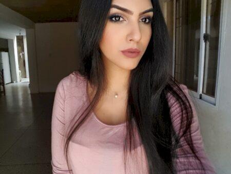 Passez un plan baise de baise avec une femme d'origine arabe