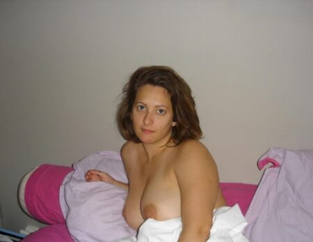 Salope sexy soumise pour libertin dominateur très souvent disponible